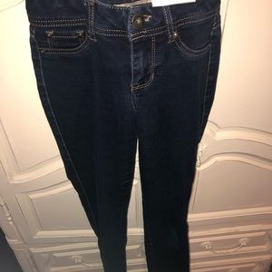 Blue spice size 1 jeans, barely worn